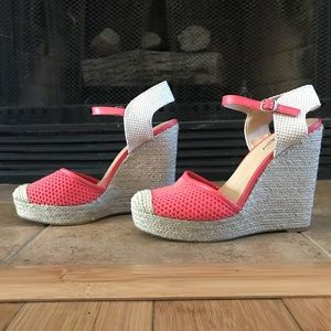 Lucky Brand Coral and Tan Woven 4in Wedges
